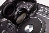 DJ mixer s sluchátka — Stock fotografie