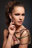 žena v náhrdelník — Stock fotografie