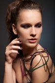 Mulher em colar — Foto Stock