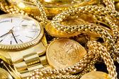 Изделия ювелирные золотые, — Стоковое фото