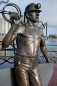 Pit to Port Coal Miner sculpture Cardiff Bay — Stock Photo