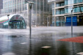 Torrential rain at Canary Wharf Docklands London — Stock Photo