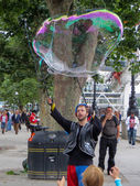 Bubblemaker on the Southbank — Stock Photo