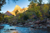 The Watchman Towers Over the Virgin River — Stock Photo