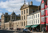 A view along the main street in Oxford — Stock Photo