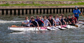 Kingston Royals practising on River Thames between Hampton Court — Stock Photo