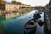 Row of houses in Desenzano del Garda Italy — Stock Photo