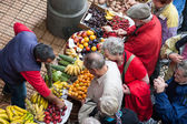 Bustling fruit and vegetable market in Funchal — Stock Photo