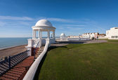 Colonnades in grounds of De La Warr Pavilion — Stock Photo
