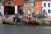 Launching the lifeboat at Staithes — ストック写真