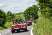 Old sports car rally near Sienna Tuscany — Stock Photo