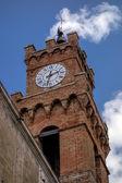 Clock tower in Pienza Tuscany — Stockfoto