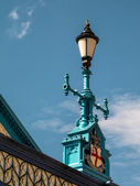 Decorative lamppost on Tower Bridge — Stockfoto