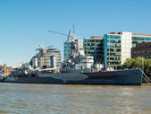 HMS Belfast anchored near Tower Bridge — Foto Stock