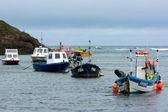 лодки в гавани bude — Стоковое фото