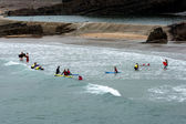 People learning how to surf at Bude — Zdjęcie stockowe