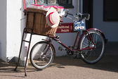 PENARTH WALES UK MARCH 2014 - View of an old tradesman bicycle o — Stock Photo