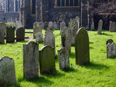 View of St Mary of Charity Church graveyard in Faversham Kent on March 29, 2014 — Стоковое фото