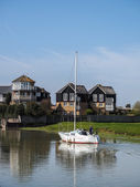 Yacht cruising down the Swale to Faversham Kent on March 29, 201 — Stock Photo