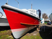 Unidentified man painting his boat in Faversham Kent on March 29 — Foto de Stock