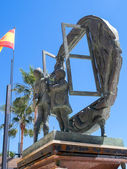 Boys and Window sculpture by Eduardo Soriano in Marbella — Стоковое фото