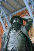 John betjeman statue auf dem display in st pancras international stat — Stockfoto