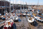 Crowded harbour in North Berwick — Stock Photo