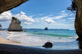 Cathedral Cove beach near Hahei in New Zealand — Foto de Stock