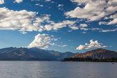 Zeilen op lake wanaka op het zuidereiland van nieuw-zeeland — Stockfoto