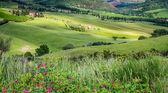 在 val 奥斯塔山谷托斯卡纳农场 — 图库照片