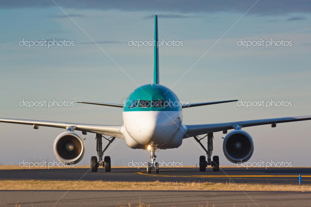 出租车飞机 — 图库照片08rebius#40233137