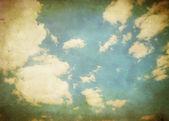 Ročník sky pozadí, se základnou na obloze. — Stock fotografie