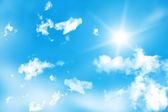 Sun in the blue sky — Stock Photo