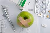 Vue de dessus des résultats de l'analyse et la prescription de médicaments — Photo