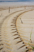Tire Tracks Prints in Sand on a Beach — Stock Photo