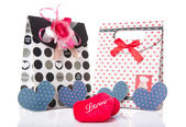 Heart Shaped Love with gift box present — Zdjęcie stockowe