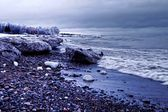 бурных берегов — Стоковое фото