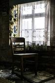 Cadeira solitária — Fotografia Stock