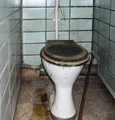 Banheiro velho — Fotografia Stock