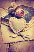 Cloth heart, key — Stock Photo
