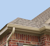 House Roof and Gutters — Stock Photo