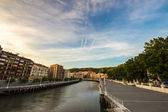 The river of Bilbao in a summer evening — Stockfoto