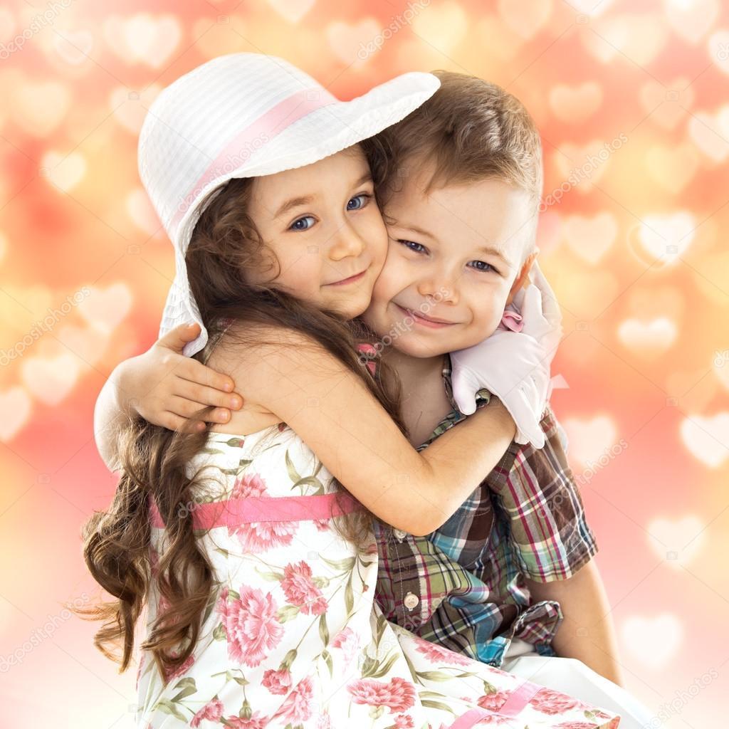 Фото с маленькими девочкой и мальчиком 2 фотография
