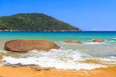 Beaceful beach on island in Brazil — ストック写真