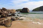 Stones of beach Piratininga Niteroi, Rio de Janeiro — Stock Photo