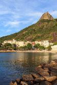Beach of Urca Sugarloaf mountain, Rio de Janeiro — Stock Photo