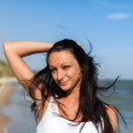 Beautiful Girl in Tropical Resort — Stock Photo