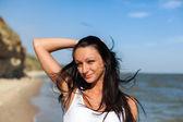 Krásná dívka v tropických resort — Stock fotografie