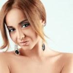 Elegance Woman With Luxury Earrings With Diamonds — Stock Photo #38246217
