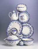 Set of  porcelain plates and dishes — Stock Photo